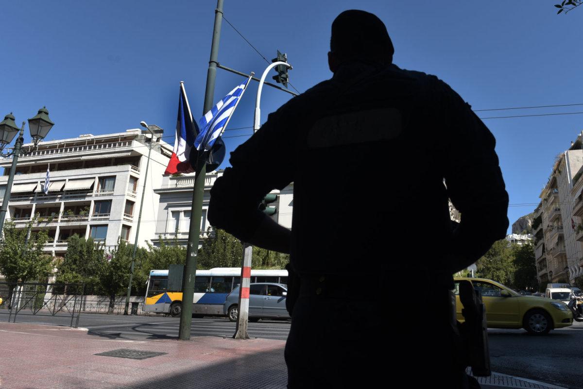 «Φρούριο» με 2.000 αστυνομικούς η Αθήνα για την επίσκεψη Μακρόν