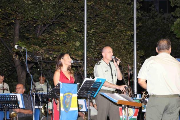 Η μπάντα της 1ης Στρατιάς στις εκδηλώσεις για την απελευθέρωση της Λάρισας