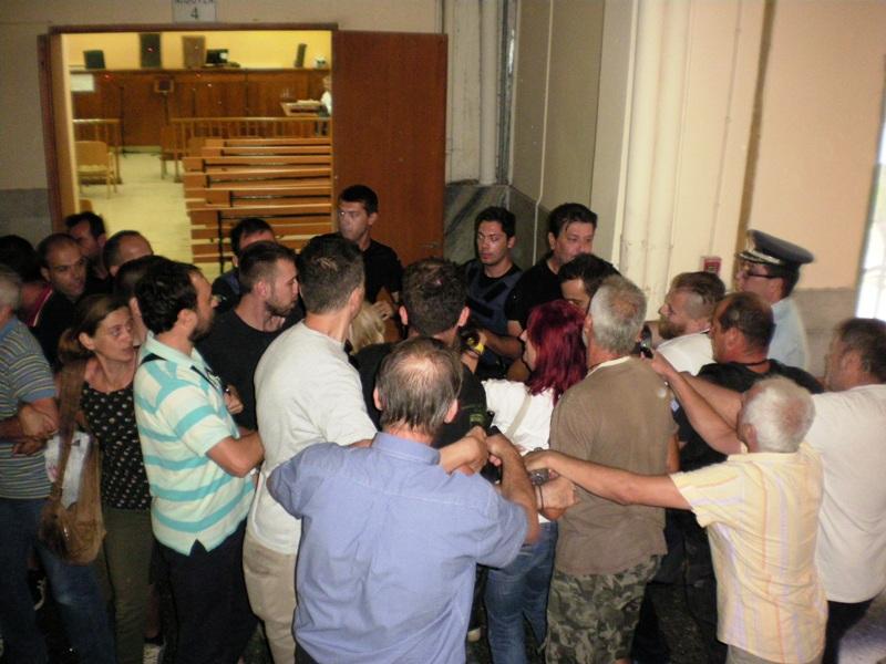 Επεισοδιακή ματαίωση πλειστηριασμών στη Λάρισα