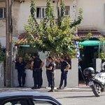 Νεαρός ταμπουρώθηκε στο σπίτι του με καραμπίνα -Απειλεί να αυτοπυροβοληθεί