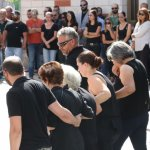 Σπαραγμός στην κηδεία της 33χρονης μητέρας