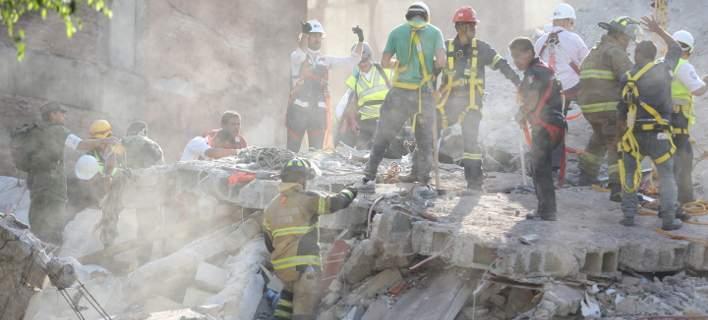 Ανεβαίνει ο αριθμός των νεκρών μετά τον σεισμό στο Μεξικό