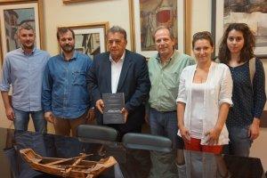 Φοιτητές ΤΕΙ με τον Ν. Σαμαρά στον δήμαρχο Καστοριάς
