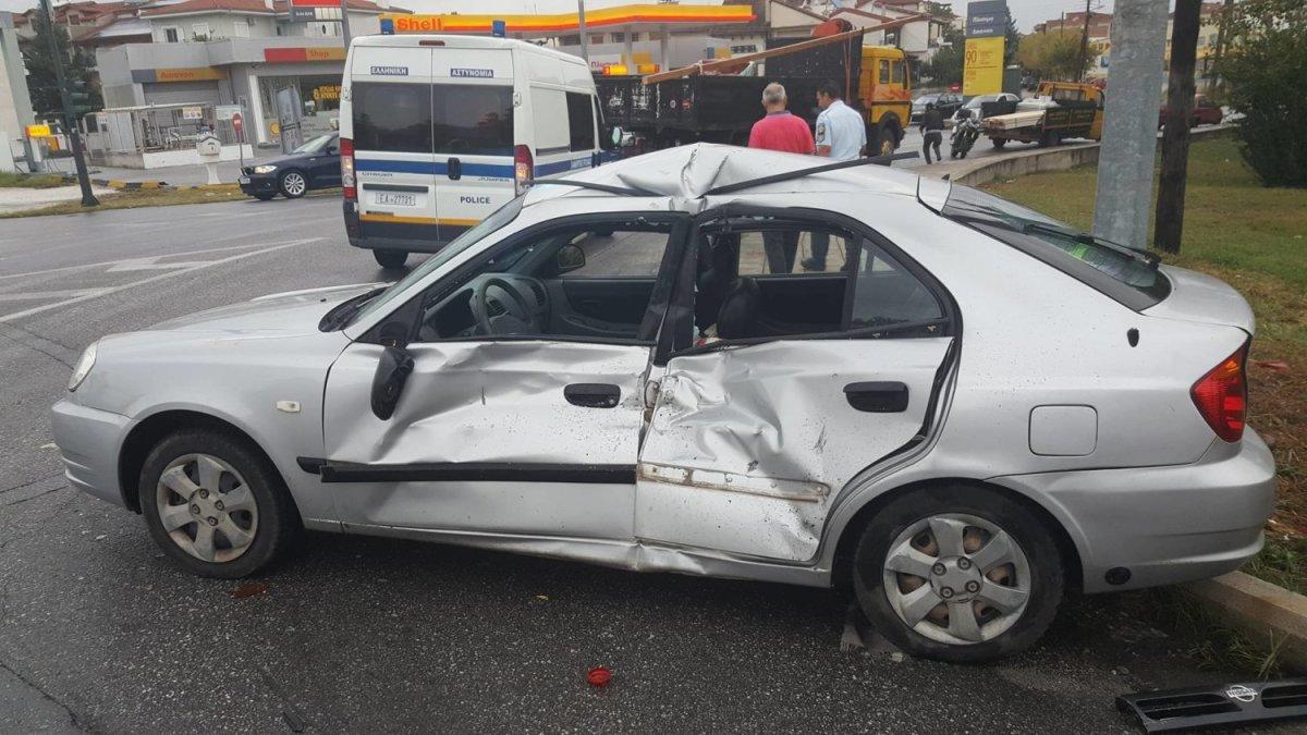 Τροχαίο ατύχημα το πρωί της Πέμπτης στη Λάρισα μεταξύ φορτηγού και ΙΧ
