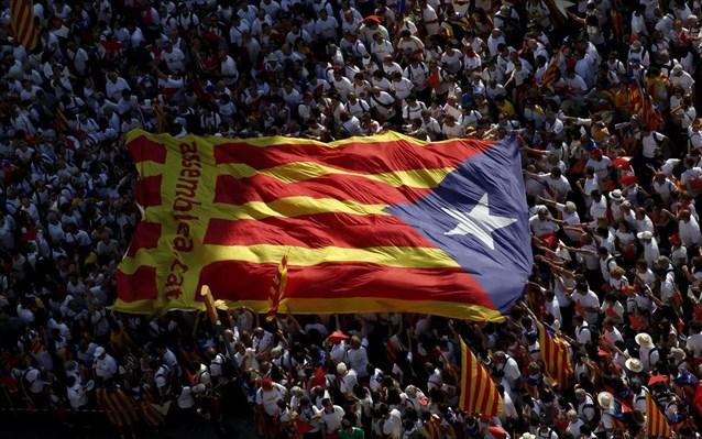 Δεν δέχονται τα μέτρα οι Καταλανοί