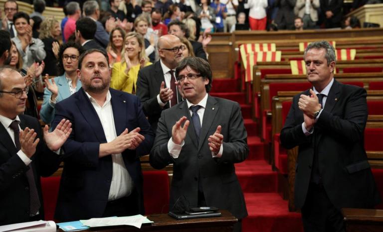 Καταλονία: Σύγκληση της ολομέλειας για απάντηση στην Ισπανία