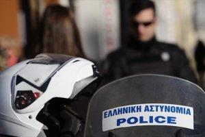 Βγάλε τις χειροπέδες από τα χέρια της Αστυνομίας… Του Άγγελου Πετρουλάκη