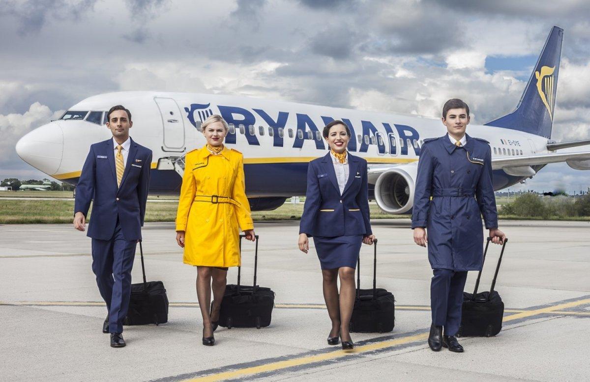100 άτομα προσλαμβάνει η Ryanair στην Ελλάδα