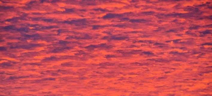 Κοκκίνισε ο ουρανός στο Ναύπλιο -Εκπληκτικές εικόνες