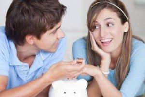 Τι λένε οι ειδικοί για το «κοινό» ταμείο στο ζευγάρι;