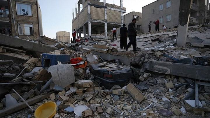 Εκατόμβη νεκρών μετά το σεισμό στα σύνορα Ιράν – Ιράκ