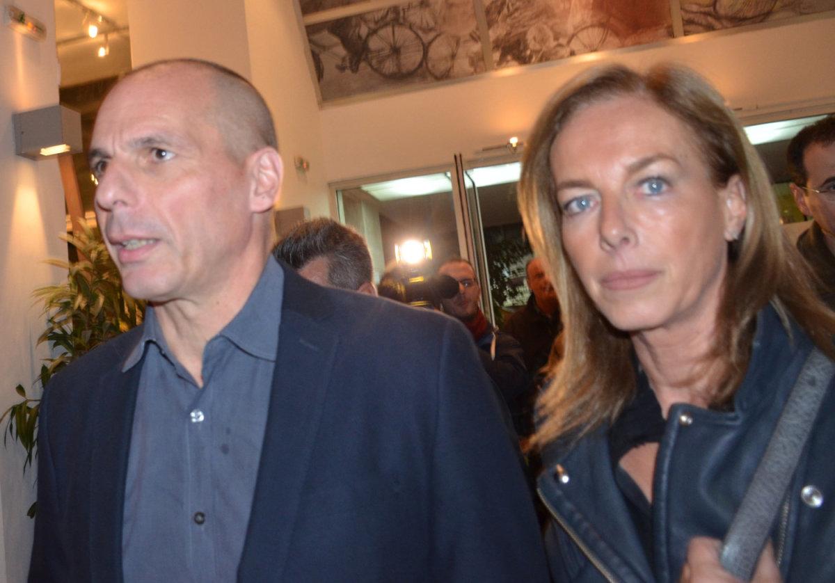 Ο Γιάνης Βαρουφάκης δηλώνει σε εκδήλωση από τη Λάρισα: «Όχι στον παραλογισμό, ναι σε νέα Ευρώπη»
