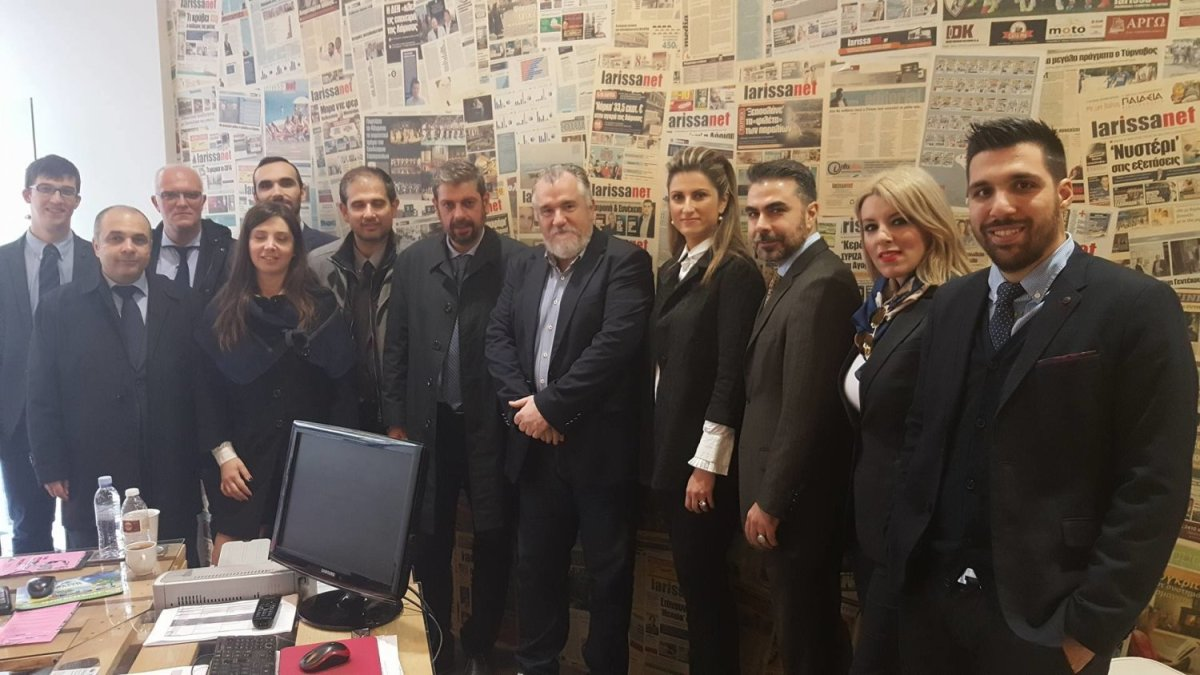 Αντ. Γραβάνης και υποψήφιοι στα γραφεία της larissanet