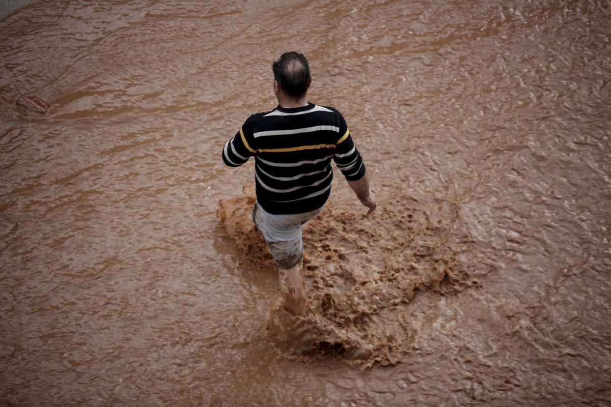 Η Πανελλαδική Επιτροπή Μπλόκων συμπαραστέκεται στους πλημμυροπαθείς της θεομηνίας