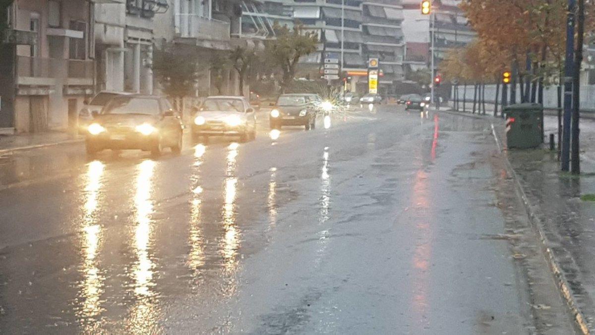 Βροχές και καταιγίδες στα πεδινά – Χιόνια στα ορεινά της Θεσσαλίας