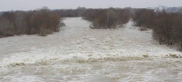 Πάνω από το όριο επικινδυνότητας η στάθμη των νερών σε Έβρο και Άρδα