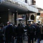 «Πυκνώνει» η κίνηση μέσα και έξω από το Επιμελητήριο Λάρισας (φωτο)