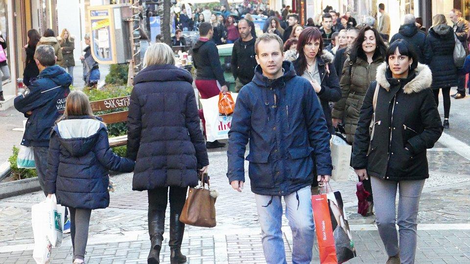 Πρωί – απόγευμα ανοιχτά τα καταστήματα στη Λάρισα