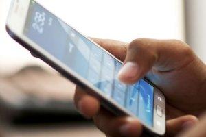 Ποια είναι τα λάθη που καταστρέφουν τη μπαταρία του κινητού