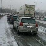 Χιονίζει προς Δομοκό και Μπράλο