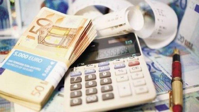 Κατά 2 δισ. ευρώ μειώθηκαν τα δηλωθέντα εισοδήματα φέτος