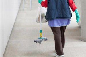Προσλήψεις συμβασιούχων καθαριότητας και φύλαξης στο Δημόσιο