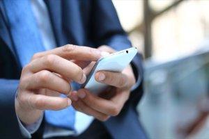 Κινητό τηλέφωνο: Φωτιά από τις αυξήσεις στα τιμολόγια