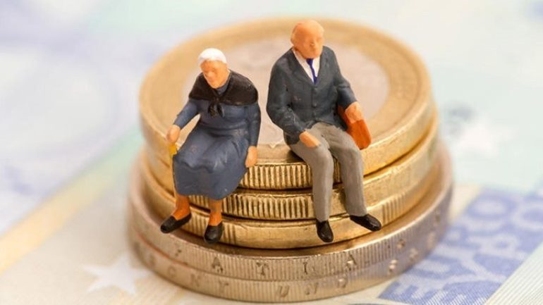 Πότε θα πληρωθούν οι συντάξεις Οκτωβρίου – Οι ημερομηνίες ανά Ταμείο