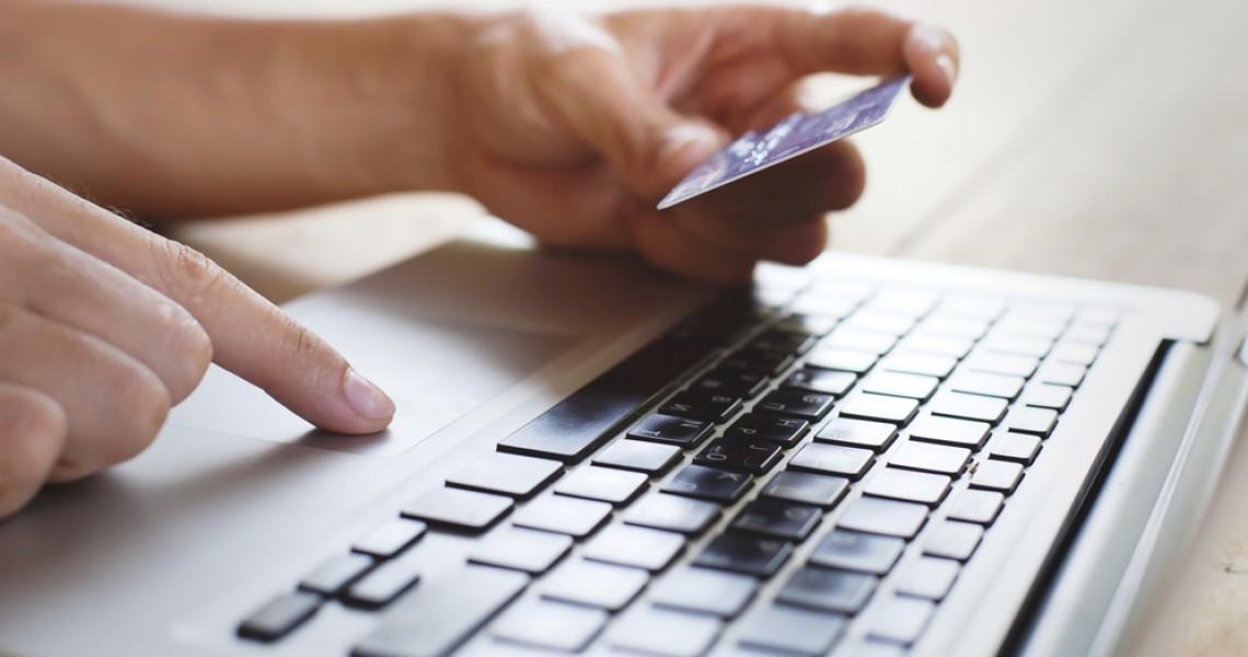 Υποχρεωτική από το 2020 η ηλεκτρονική τιμολόγηση και τήρηση βιβλίων στις επιχειρήσεις
