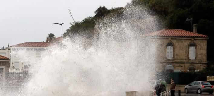 Γαλλία: Στους επτά οι νεκροί από την καταιγίδα Ελεανόρ