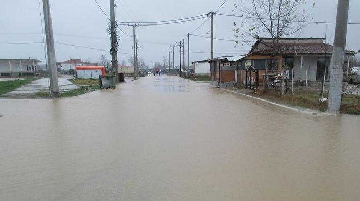 Εκκενώθηκε οικισμός στην Καρδίτσα λόγω της κακοκαιρίας (ΦΩΤΟ-VIDEO)