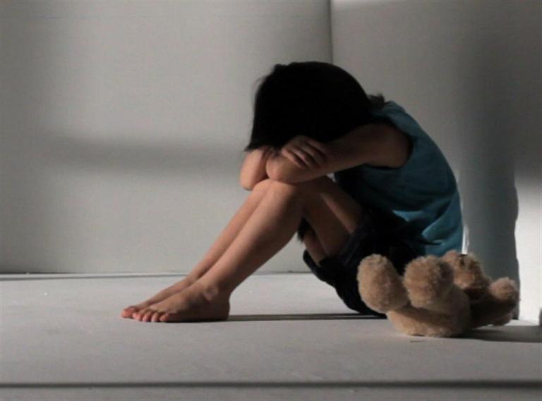 Πατέρας βίαζε την 7χρονη κορούλα του