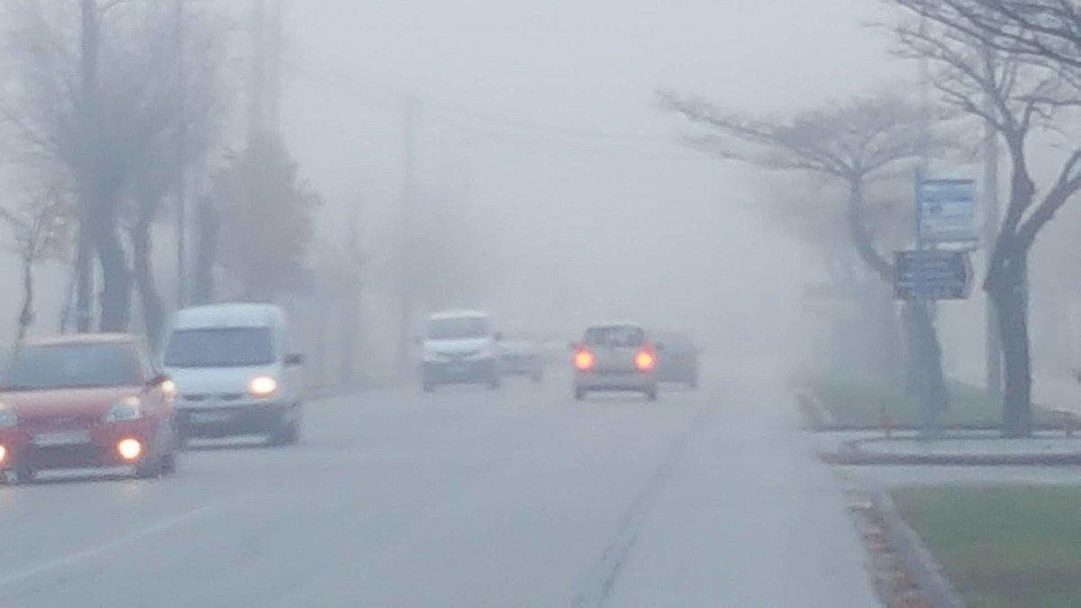 Ομίχλη σε περιοχές της Λάρισας (φωτ.)
