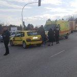Σφοδρή σύγκρουση αυτοκινήτων στη Λάρισα (φωτ.)