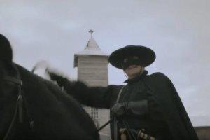 Οι μασκαράδες είναι εδώ!… Του Άγγελου Πετρουλάκη
