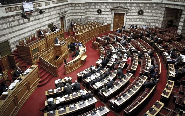 Νέα δικογραφία στη Βουλή για τα εμβόλια Αβραμόπουλου