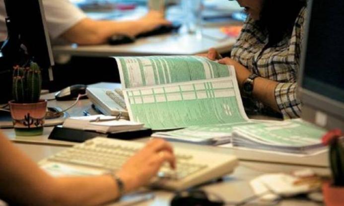 800.000 φορολογούμενοι δεν έχουν υποβάλει ακόμη φορολογική δήλωση
