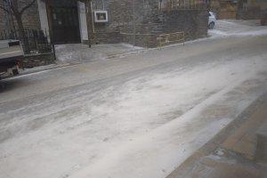 Ξεκίνησε η χιονόπτωση στα ορεινά του Ν. Λάρισας (φωτ.)