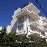 Χρυσές δουλειές από αλλοδαπούς «μεσίτες» με ακίνητα στην Αθήνα