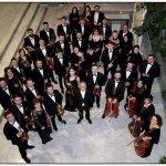 Αφιέρωμα στη μουσική του Ντίνου Κωνσταντινίδη από τη Συμφωνική Ορχήστρα Λάρισας