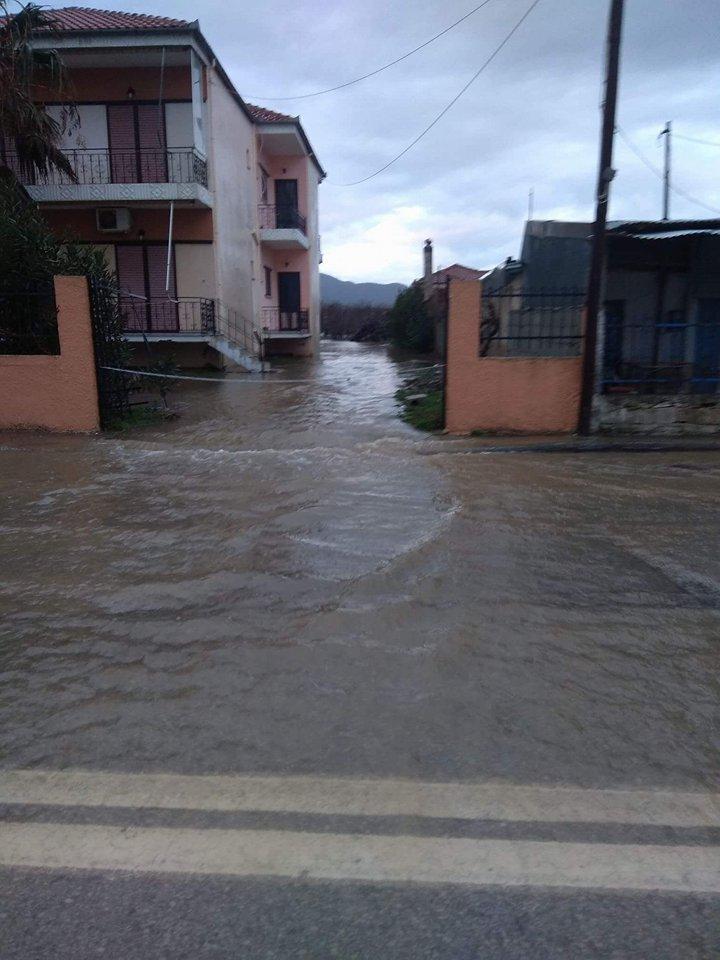 παραλια πλημμυρα (2)