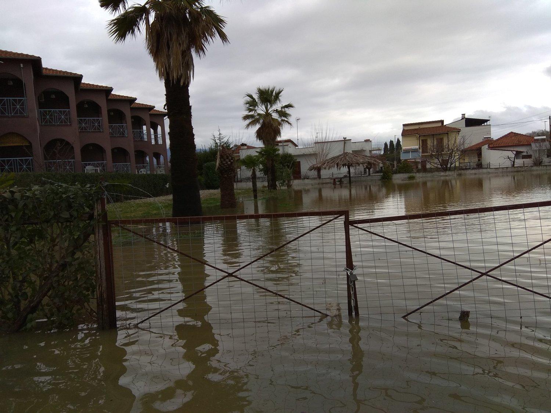 πλημμυρες παραλια (1)