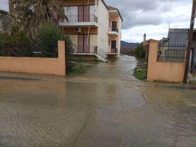 πλημμυρες παραλια (3)