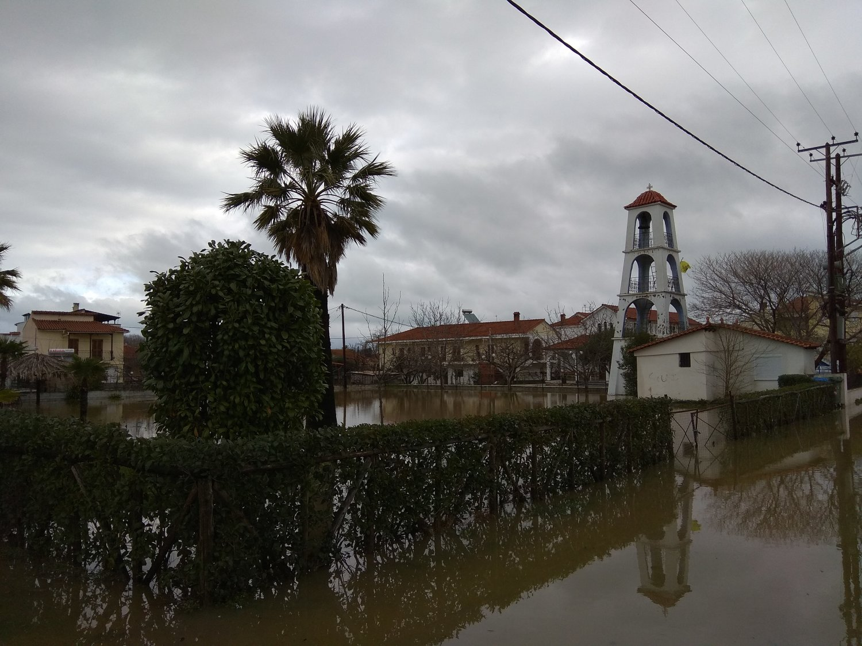 πλημμυρες παραλια (5)