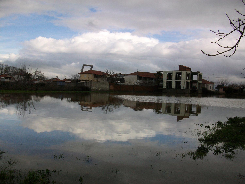 πλημμυρες παραλια