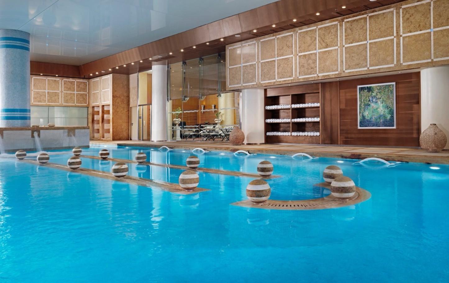 Thalassotherapy Pool_Divani Apollon Palace & Thalasso