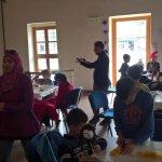Τα προσφυγόπουλα του 26ου Δημοτικού στο Μουσείο Κούκλας στο Μύλο του Παπά