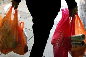 Σημαντική μείωση στη χρήση της πλαστικής σακούλας