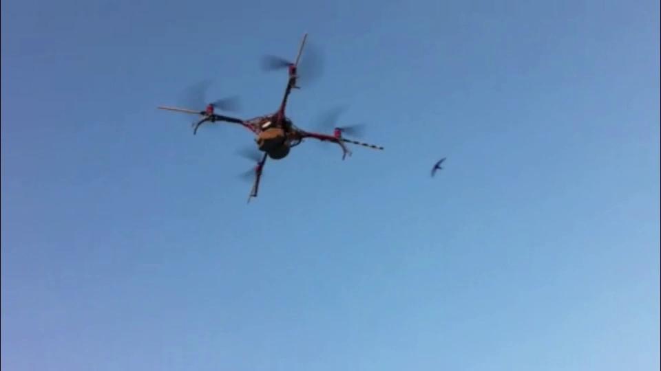 Drones βοηθούν στην έρευνα διάσωσης και στις προσπάθειες καταγραφής των ζημιών