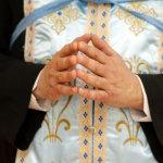 Ο έρωτας του Μητροπολίτη με τρανσέξουαλ – «Βόμβα» στους κόλπους της Εκκλησίας
